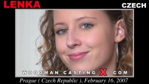 Mira nuestro vídeo de fundición de Lenka.  Erótico reunión beween Pierre Woodman y Lenka, una joven checa.